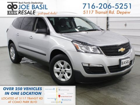 Pre-Owned 2017 Chevrolet Traverse LS AWD